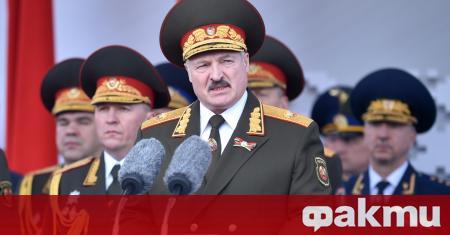 Беларуският президент Александър Лукашенко уволни правителството, съобщи