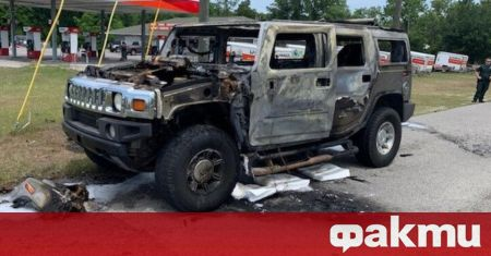 В американския щат Флорида собственикът на Hummer H2 пълни с