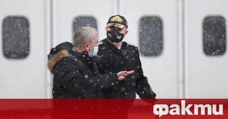 Началникът на отбраната адмирал Емил Ефтимов и началникът на Генералния