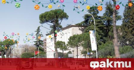 Правителството на Албания отваря ресторанти, кафенета, музеи и библиотеки, съобщи