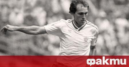 Днес, 26 септември, големият български футболист и треньор Аян Садъков