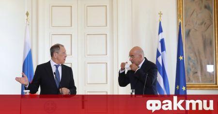 Първите дипломати на Гърция и Русия обсъдиха двустранните отношения, съобщи