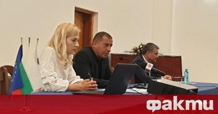 Във Велинград се проведе обществено обсъждане, на което ръководството на