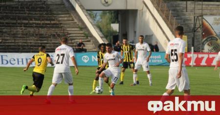 Ботев (Пловдив) победи с 2:0 Славия в контрола между двата
