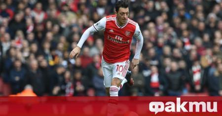 Халфът на Арсенал Месут Йозил не е попаднал в картотеката