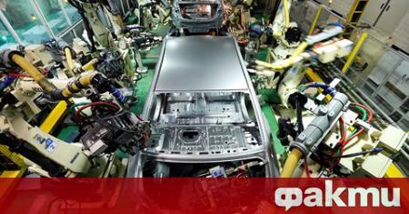 Производството в три от заводите на Kia в Южна Корея