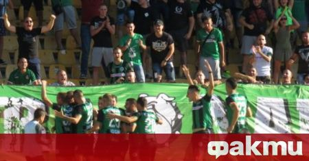 Трусовете в отбора на Нефтохимик (Бургас) продължават, а футболистите на