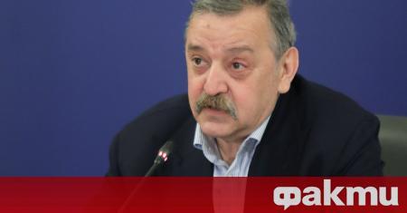 Професор Тодор Кантарджиев, който е най-възрастният член на Националния оперативен