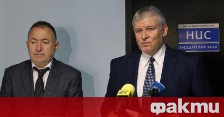 Въпреки безспорните външнополитически успехи на България, постигнати от десните правителства