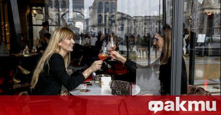 Бивш чешки президент отиде на ресторант в знак на протест,