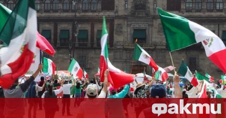Телевизиите в Мексико ще излъчват учебни уроци, съобщи РИА Новости.