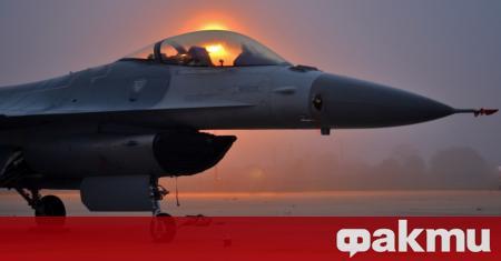 Американски изтребител F-16 Viper се разби по време на кацане