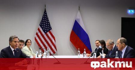 От първи ноември Русия закрива постоянното си представителство в НАТО,