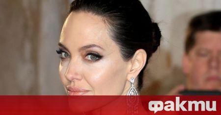 Анджелина Джоли влиза в ролята на свирепия воин Тина в
