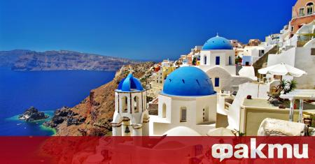 Гърция ще позволи на туристи от над 20 държави, включително