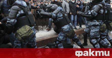 Вие може да задържите Навални, неговата съпруга, или хиляди техни