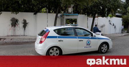 Гръцките представители на реда задържаха издирван сръбски гражданин, съобщи Катимерини.
