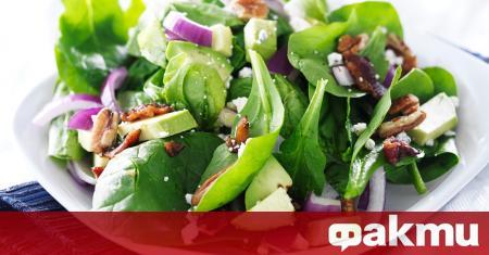 Пресният спанак е много подходящ за свежи салати и се