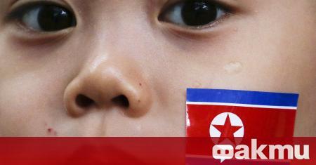 Учениците в Северна Корея се върнаха в училище с маски