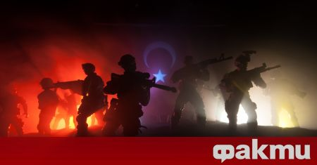 Турският министър на отбраната Хулуси Акар предупреди, че силите на