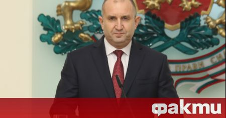Президентът Румен Радев и американският посланик Херо Мустафа присъстват на