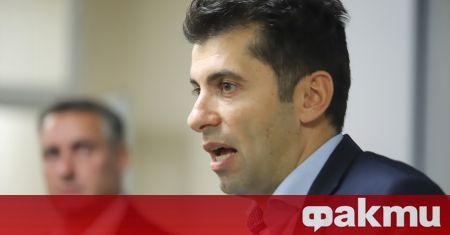 Министърът на икономиката Кирил Петков и министърът на туризма Стела