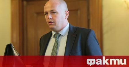 Тази власт се крепи на полицейските щитове, заяви депутатът от