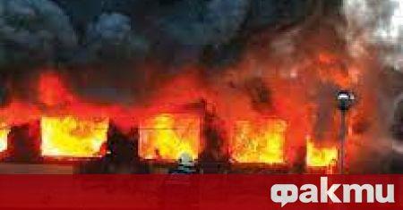 Пътнически жп вагон изгоря напълно на коловоза, който се намира