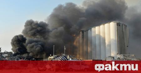 Експерти по химикалите и пожарникари обезопасяват най-малко 20 потенциално опасни