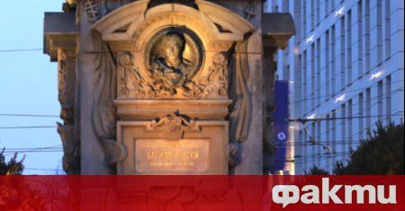 Всички реставрационни дейности на пространствата около паметника на Васил Левски,