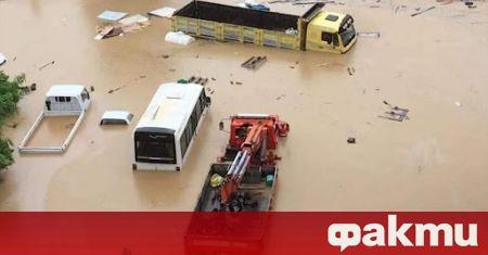 Проливни дъждове предизвикаха наводнения и свлачища в черноморската част на