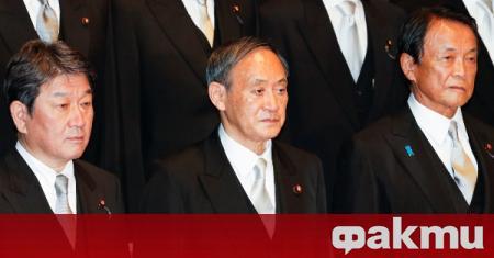 Новият японски премиер Йошихиде Суга проведе първи телефонен разговор с