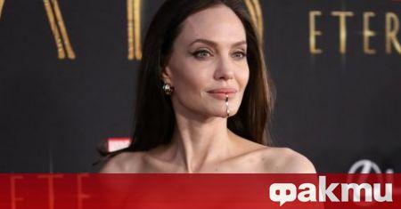 Пословичната с красотата си 46-годишна актриса Анджелина Джоли присъства на
