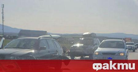 Вследствие на пътен инцидент автомобил марка