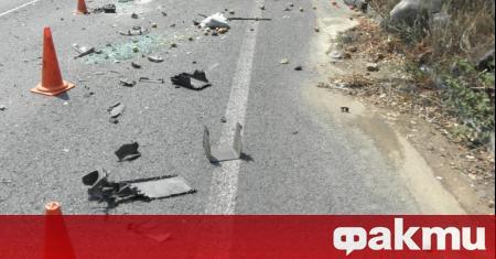 Моторист и автобус на градския транспорт са се ударили в