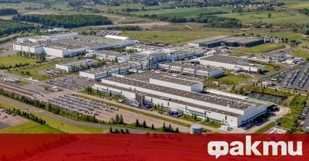 Mercedes-Benz обяви, че започва преговори за продажбата на завода си