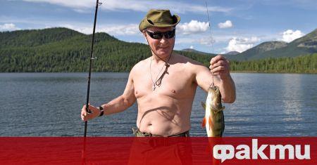Руският президент Владимир Путин призова руснаците да се ваксинират срещу