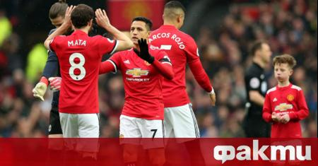 Манчестър Юнайтед ще опита да продаде петима свои футболисти след