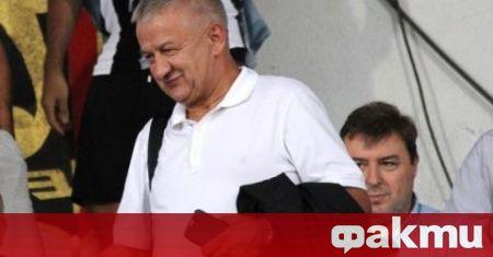 Босът на Локомотив Пловдив Христо Крушарски за пореден път направи