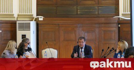 Служебният министър на земеделието, храните и горите проф. д-р Христо