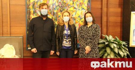 Вицепремиерът и министър на туризма Марияна Николова се срещна с