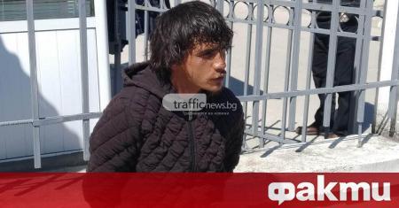 """Буйстващ мъж нападна охранители на Траурен парк """"Север"""" на Рогошко"""