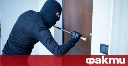 Полицаи от Карлово разкриха и задържаха извършителите на крупна домова