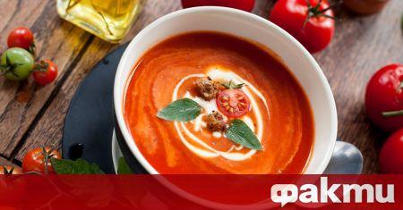 Необходими продукти: 800 гр. домати 1 буркан сушени домати 1