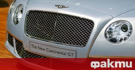Британската полиция вдигна с паяк изключително скъп автомобил, съобщи Би