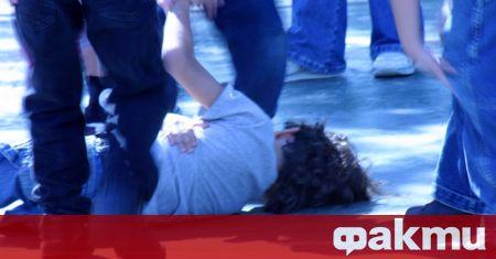 Малолетно момче е пребито по брутален начин от двама тийнейджъри