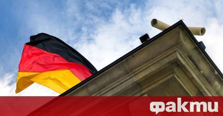 Федералното правителство в Германия твърди, че най-ниската точка на рецесията