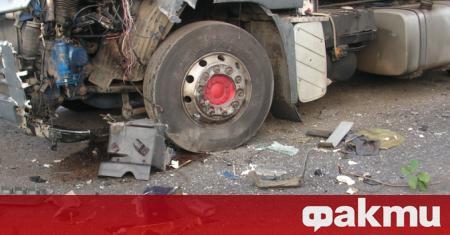 Шофьор на тежкотоварен камион е загинал при катастрофа край габровското