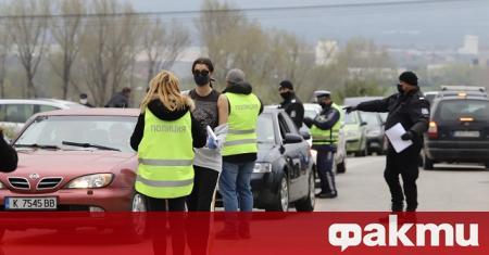 Колона от автомобили чака на входа на София от магистрала