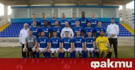 Старши треньорът на Спартак Кирякос Георгиу търси централни защитници от